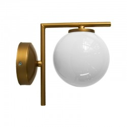 Aplique de pared, armazón metálico en acabado dorado, 1 luz, con bola de cristal Ø 14 cm en acabado opal brillo.