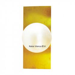 Aplique de pared, armazón de latón en acabado satinado, en forma rectangular, 1 luz, con difusor en bola Ø 14 cm