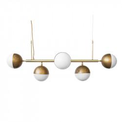 Lámpara de techo, armazón metálico, con elementos de latón, en acabado dorado, 5 luces, con difusores en bola