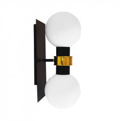 Aplique de pared, armazón metálico en acabado negro, con elementos de latón en acabado satinado