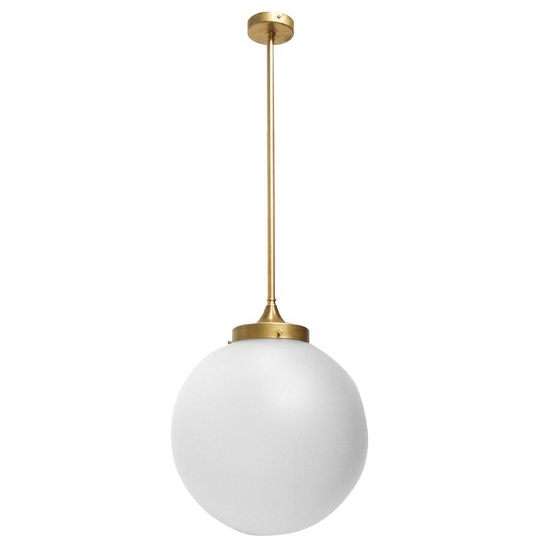 Lámpara de techo colgante, estructura de latón en acabado satinado, 1 luz, con difusor de vidrio soplado en bola Ø 30 cm