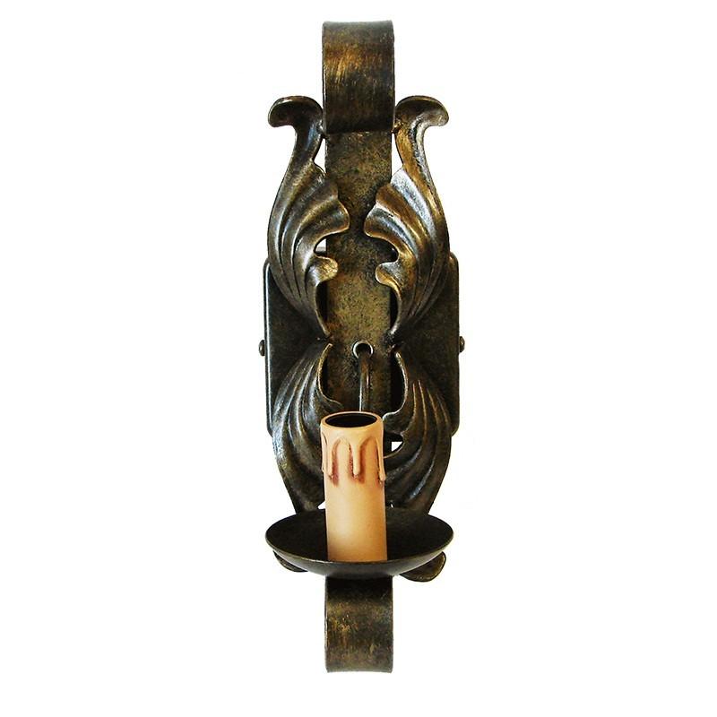 Aplique de pared, de forja, metal en varios acabados, una luz con vela.