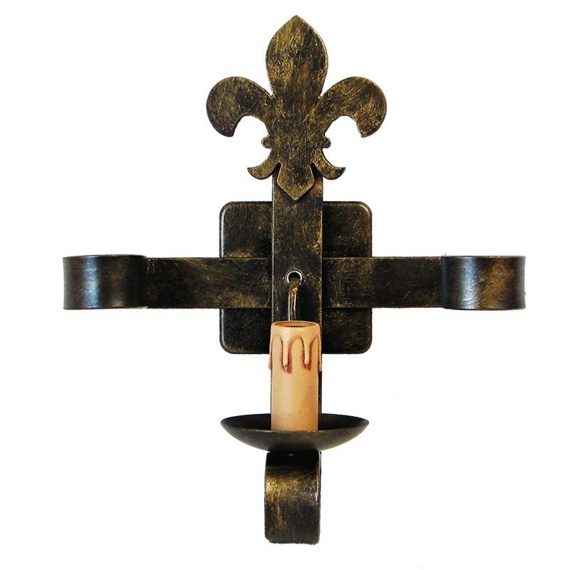 Aplique de pared clásico, de forja, Serie Lis, estructura metálica en varios acabados, una luz, con vela.