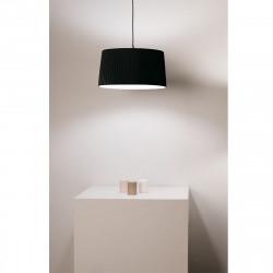 Lámpara de techo colgante clásico, Serie Ona, con pantalla negro de tela encintada y portalámparas negro.