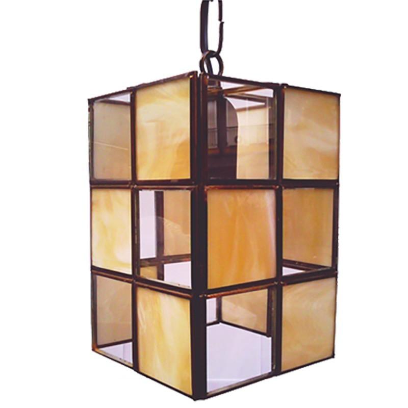 Lámpara de techo farol, estilo granadino, Serie Ajedrez, estructura metálica en acabado dorado, 1 luz, con cristal opalina.