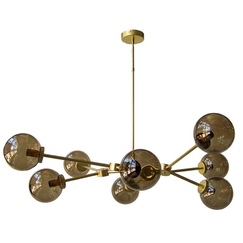 Lámpara de techo, en latón, 8 luces, con bolas de cristal en acabado fume.