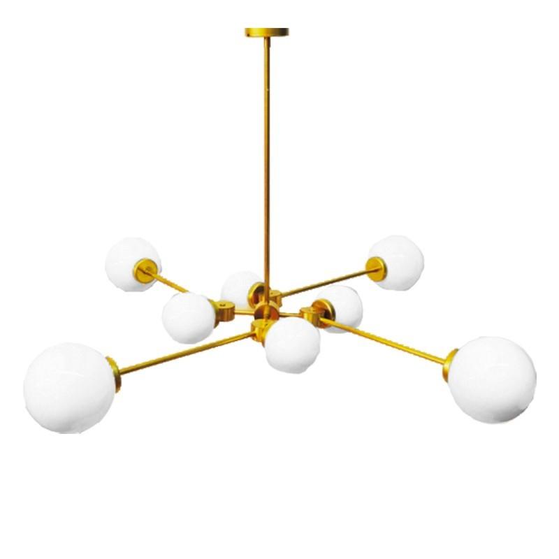 Lámpara de techo, en latón, con 8 bolas de cristal opal brillo.